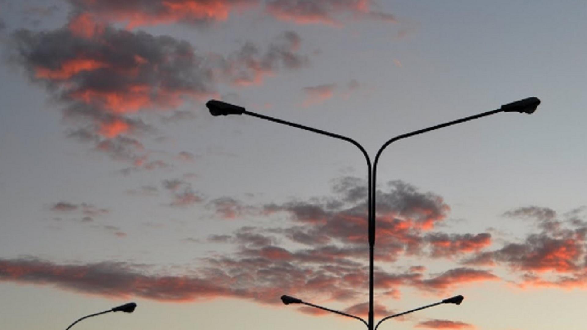 illuminazione pubblica spenta