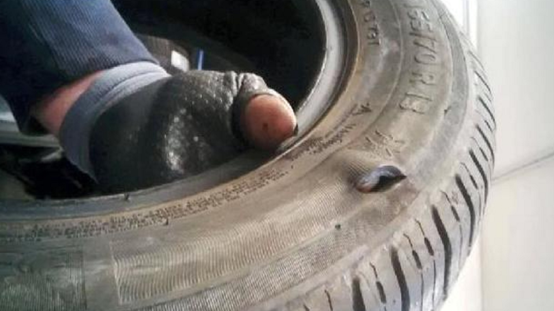 pneumatici forati