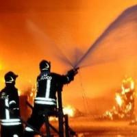 scicli-incendio-capannone-arizza-410