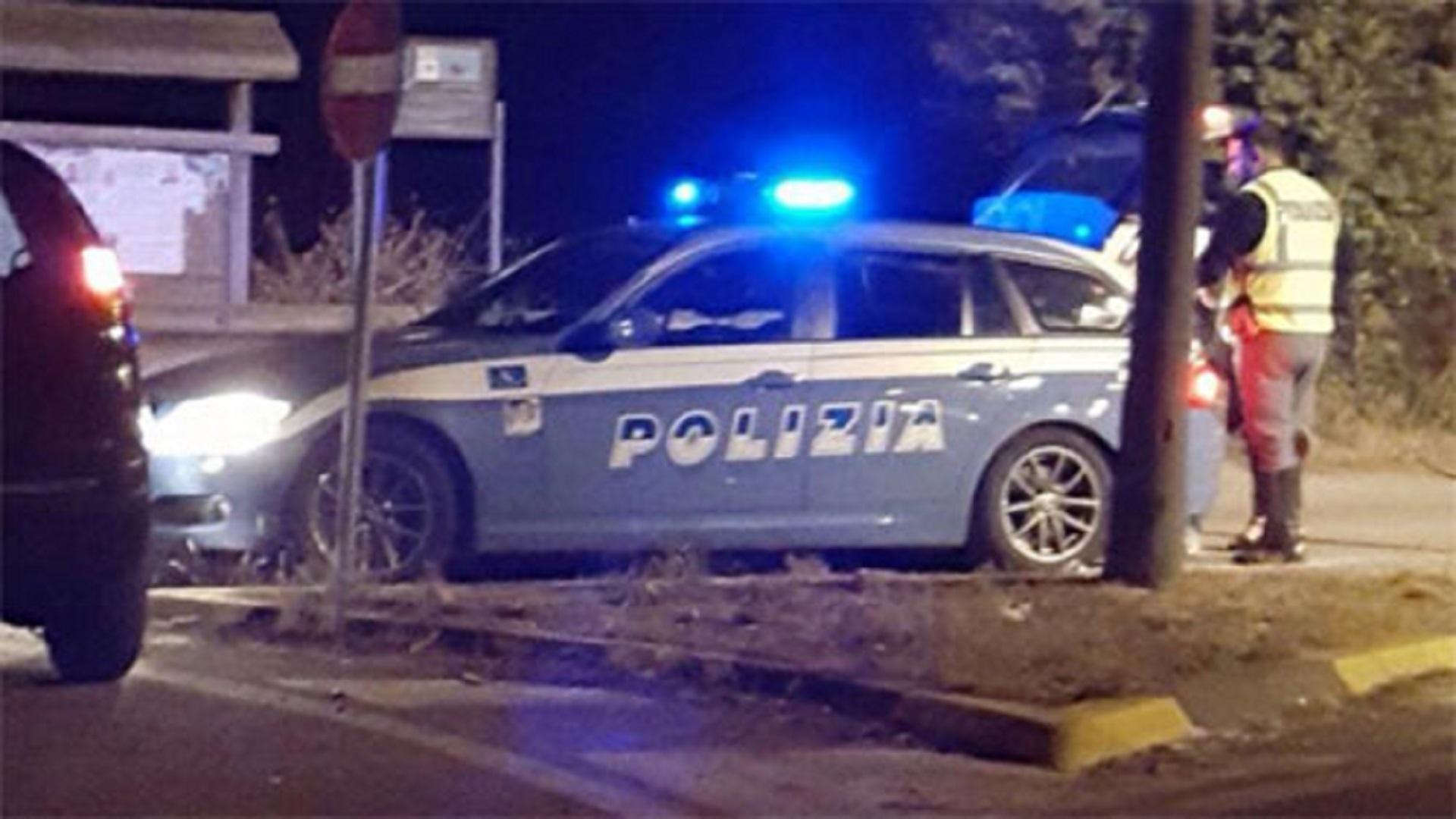 Polizia_Stradale_lampeggiante_polstrada