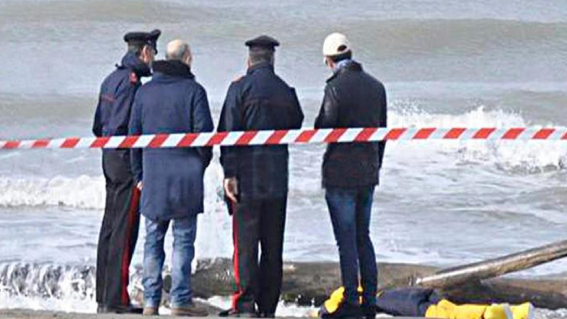 Orrore in Campania, ritrovato un altro cadavere in spiaggia: identificata la vittima