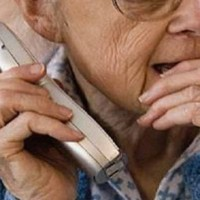 anziani-telefono-truffa-360x240