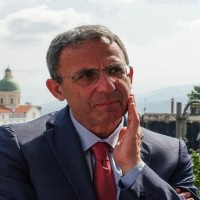 Il ministro dell'Ambiente Sergio Costa nella sede del Castello mediceo per presentare il sistema di videosorveglianza del Parco Nazionale del Vesuvio, Ottaviano (Napoli), 16 luglio 2018. ANSA/CESARE ABBATE