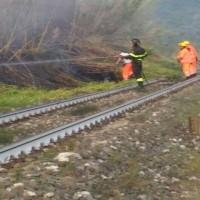 ponte_serravalle_pistoiese_incendio_canneto_linea_ferroviaria_2016_10_12__1