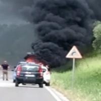automobile in fiamme auletta
