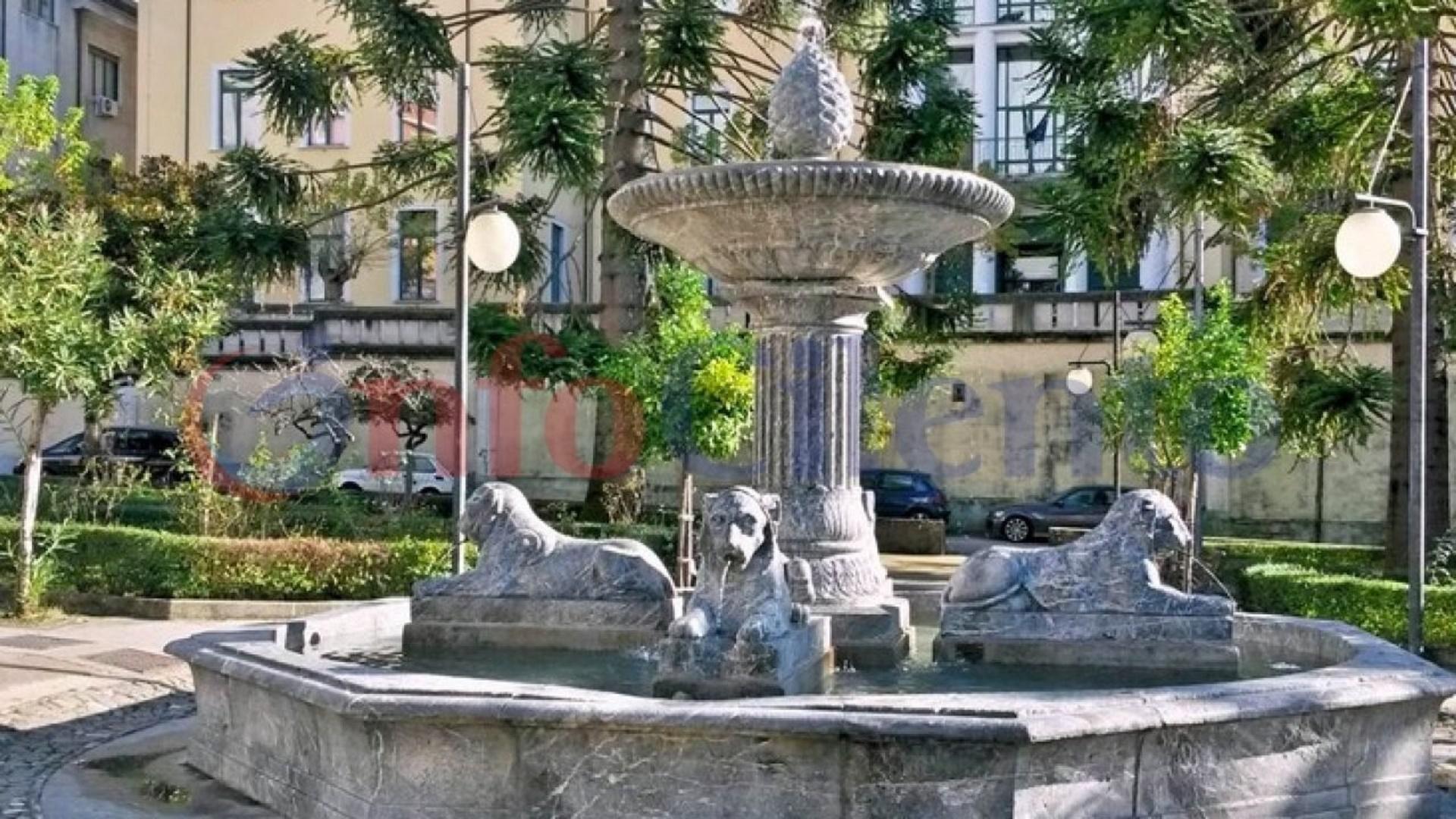 fontana quattro leoni vallo