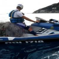 polizia recupera rete mare